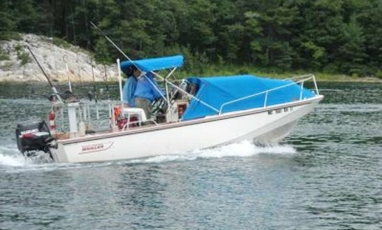 Center Console ''boston Whaler : Outrage 20''  Charter In Perros-guirec