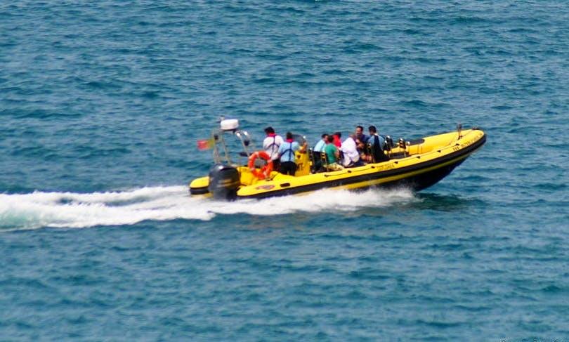 """""""Speed Boat"""" Rental in Cascais"""
