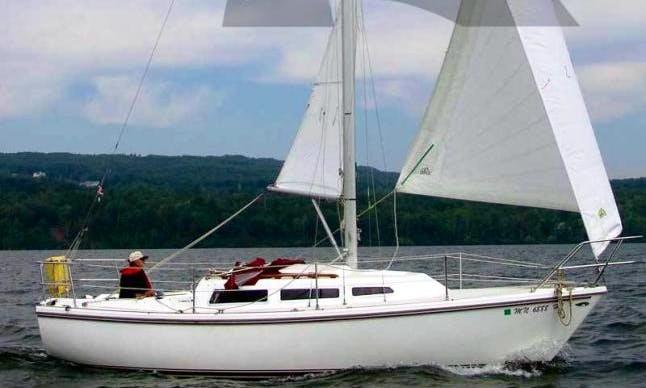Cruising Monohull Sailing Charter in Fallis, Canada
