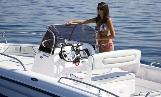 20' Center Console Rental In Lombardia, Italy