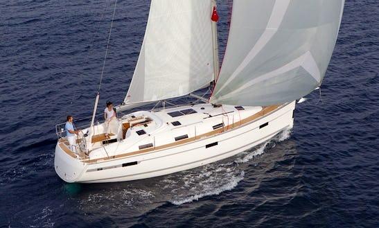 Cruising Monohull 'bavaria 36' In Brockenhurst