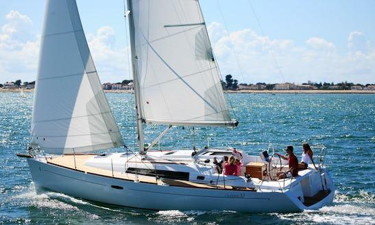 Cruising Monohull  'oceanis 37' In Brockenhurst