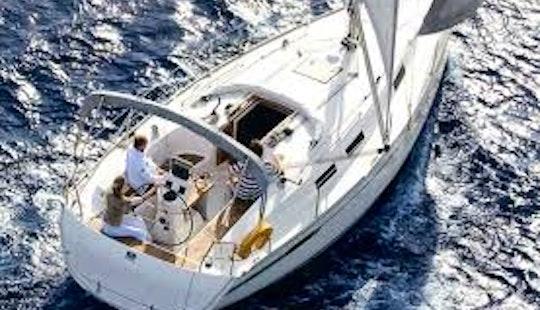 Cruising Monohull '12 Berth Yacht' In Brockenhurst