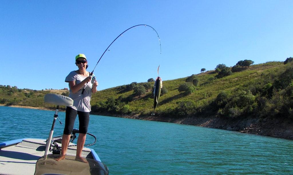 Fishing charter in barragem de santa clara portugal for Delaware fishing charters