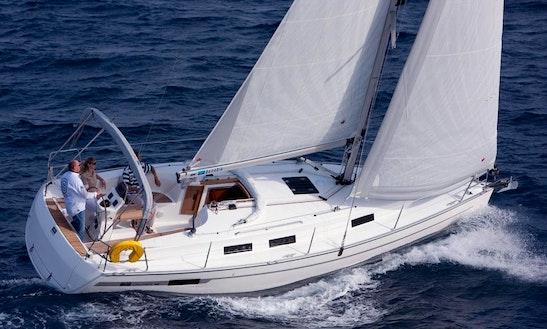 Bavaria 32' Cruising Catamaran In València