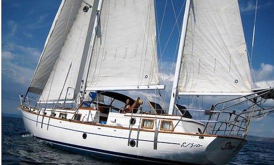 Gulf Of Papayo Sailing Excursions