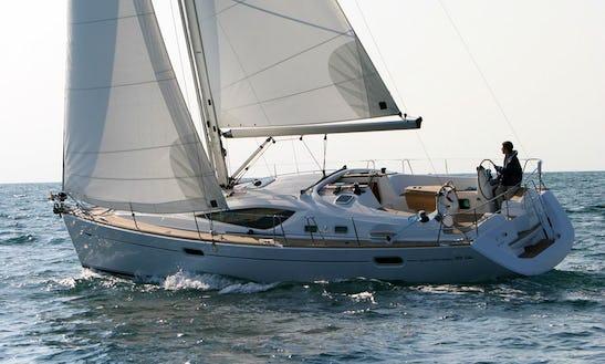 Sun Odyssey 39' Cruising Monohull In València