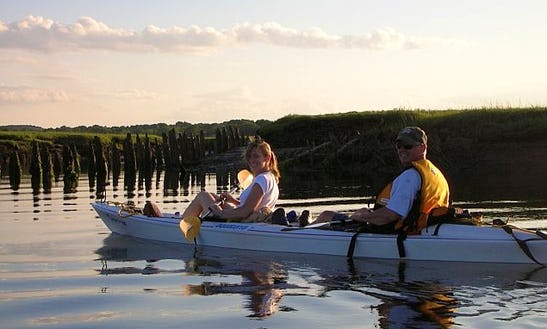 2-hour Historic Guided Tandem Kayak Tour In Sandwich, Massachusetts