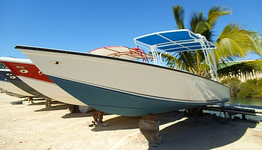 30ft Center Console Charter In Placencia, Belize