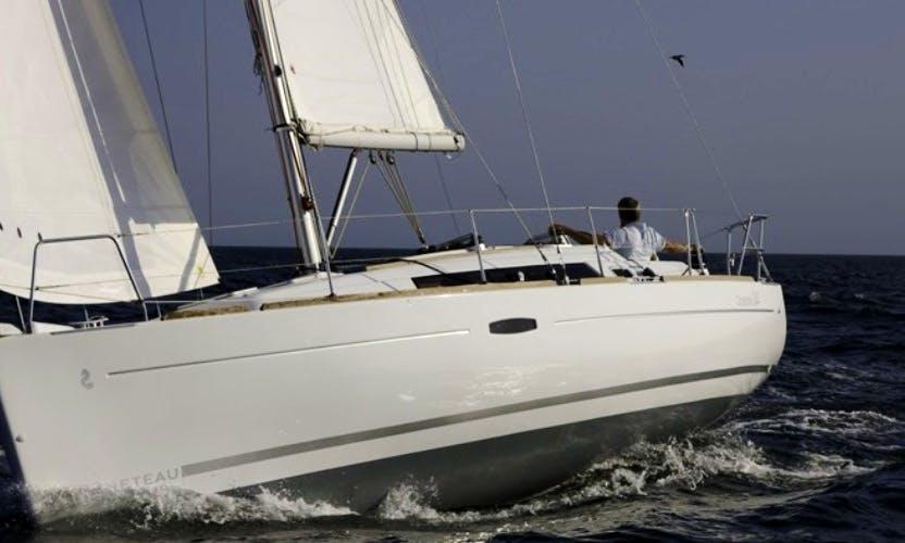 "Cruising ""Beneteau Oceanis 34"" Monohull Rental in Lagos"