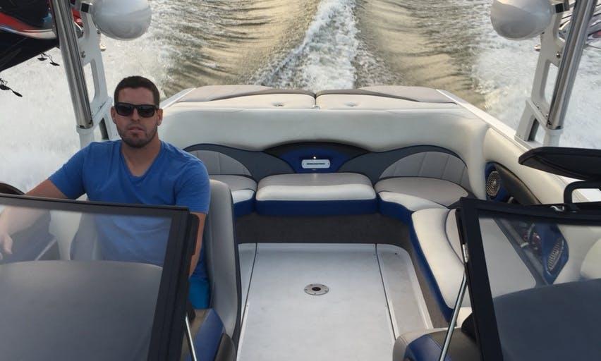 23ft Malibu Wakesetter Motor Yacht Rental In Austin, Texas
