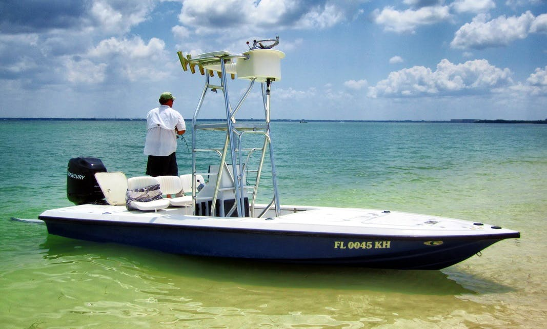 18' Center Console Fishing Charter in Airlie Beach, Australia