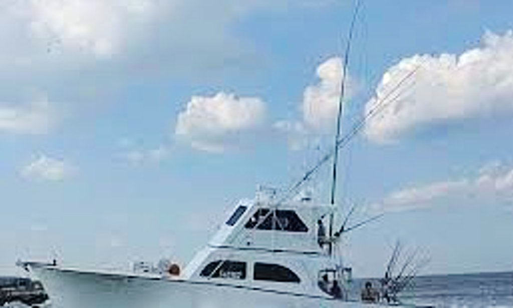 Enjoy fishing on 22ft taug striper in lewes delaware for Fishing charters lewes de