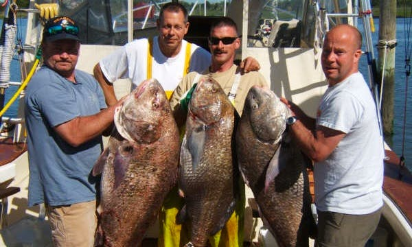 37ft Sport Fisherman Boat Fishing Charter in Cape May, New Jersey