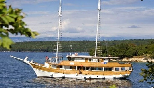 Private Weekly Sailing Cruises In Croatia