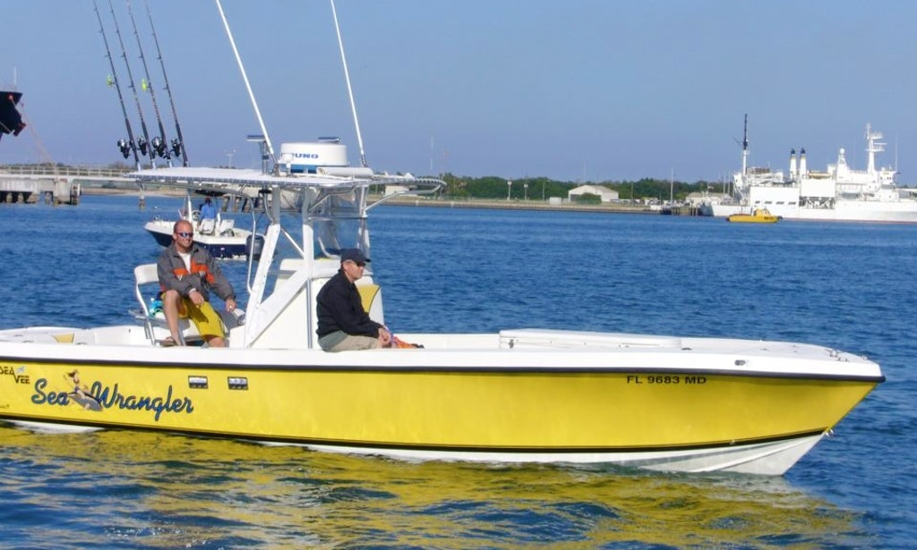 30 39 center console charter in cape canaveral florida for Cape canaveral fishing charters