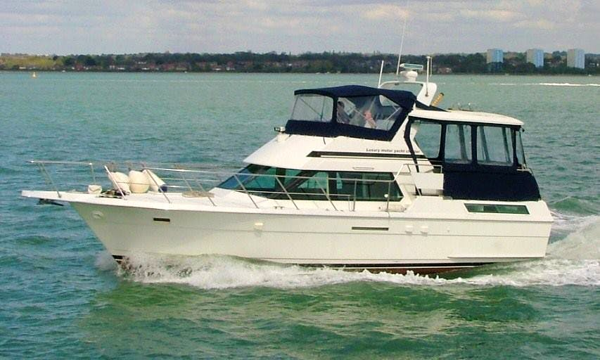 Motor Yacht Rental in southampton Hampshire uk