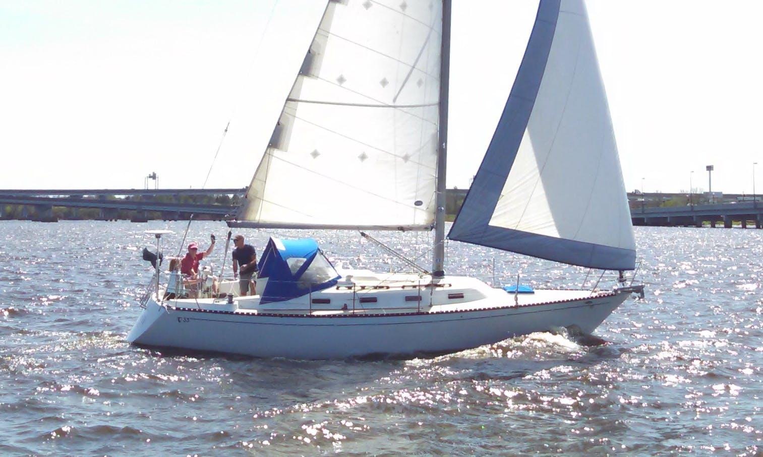 "33ft ""Tartan"" Cruising Monohull Rental in New Bern, North Carolina"