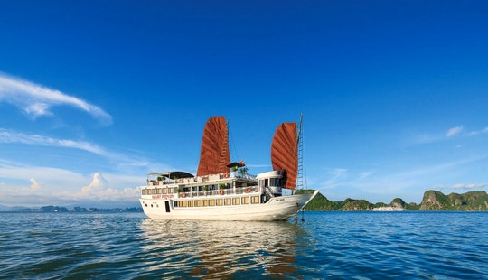 Deck Boat Rental In Halong City
