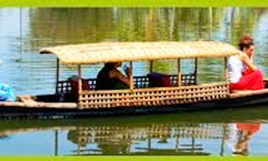 An Exciting Canoe Rental In Alappuzha, India