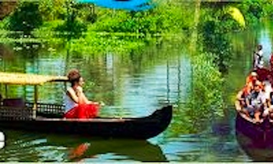 Rent A Canoe To Enjoy The River In Alappuzha, India