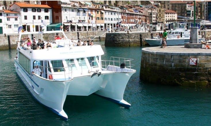 Power Catamaran Tour In San Sebastián
