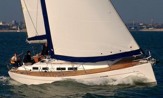 Luxury Cruising ''dufour 425 Mammamia'' Charter In Italy