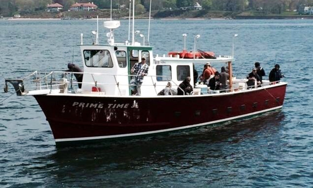 50ft head boat charter in orient new york getmyboat for Fishing trips nyc