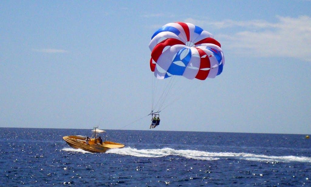 Parascending Flights in Playa Chica, Puerto del Carmen