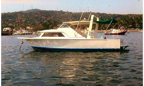 """30' Head Boat """"PEQUENA  KAREN"""" Fishing Charter in Ixtapa Zihuatanejo, Mexico"""