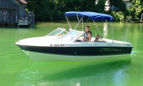 18' Bayliner Discovery Bowrider In Traverse City, Michigan