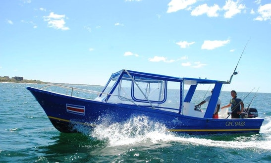 27' Center Console Fishing Charter In Tamarindo, Costa Rica