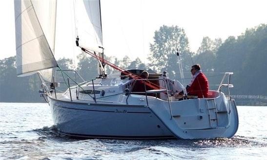 Charter Delphia 29 Sailing Yacht In Makkum