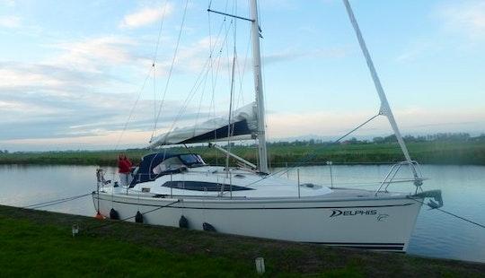 Charter 33' Sailing Yacht In Makkum