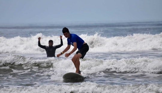 Surf Lesson In Sámara