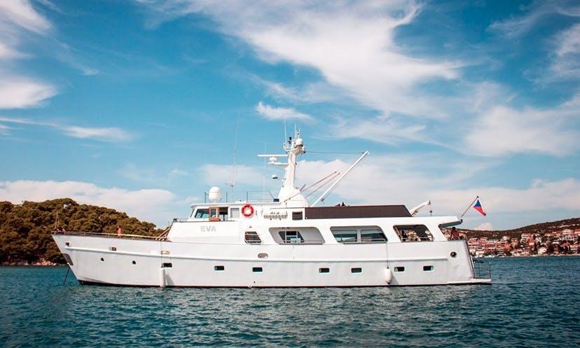 EVA Motor Yacht Charter in Croatia