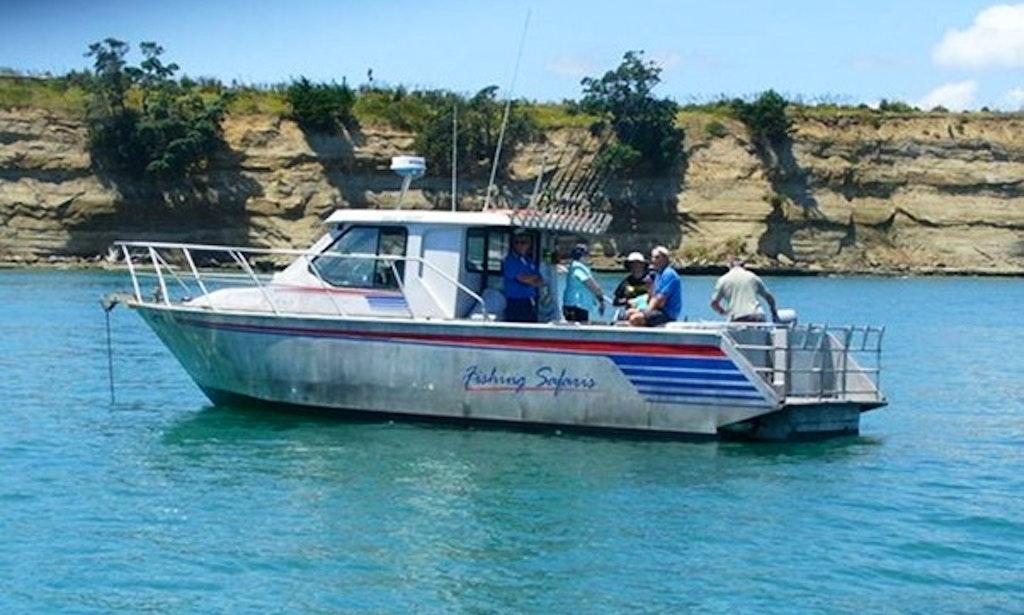 Auckland fishing charter on 33ft mv mantaray yacht for Fishing charters auckland
