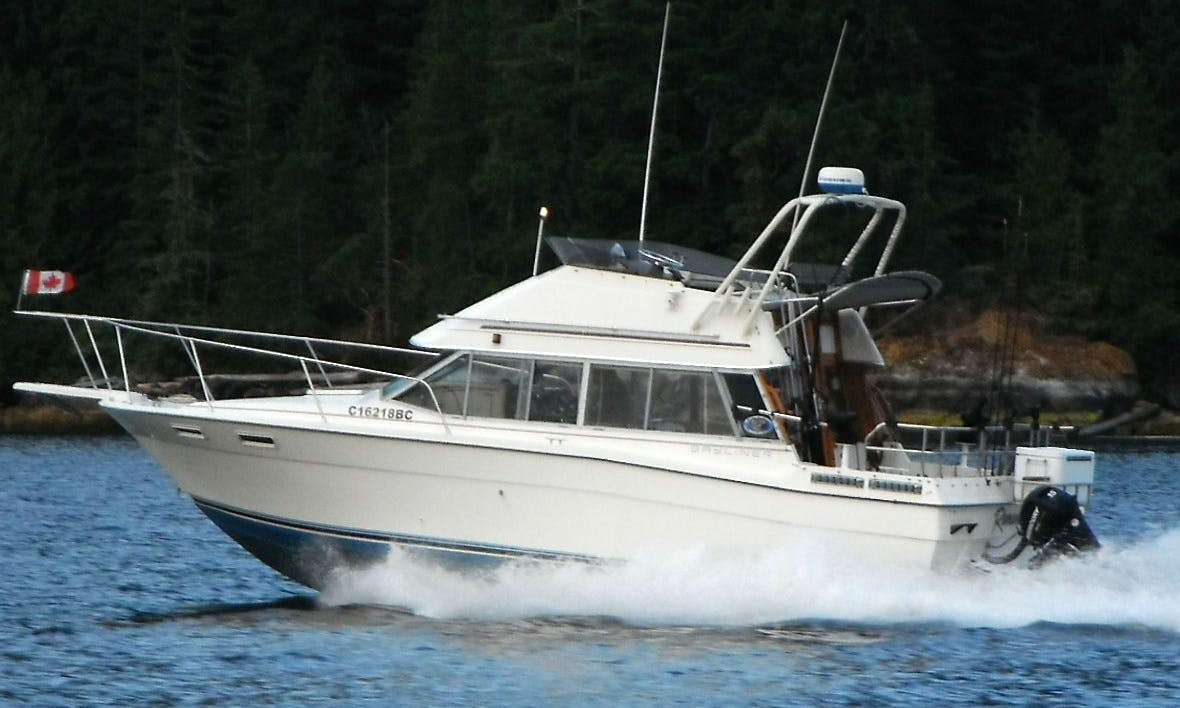 28' Motor Yacht Fishing Charter in Port Alberni, Canada