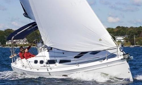 Charter 32' Modern Hunter Sailboat In Gloucester, Point Virginia