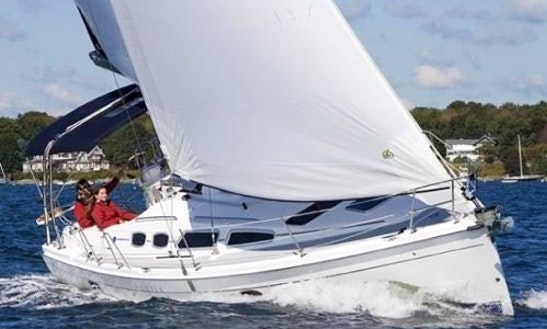 Charter 32' Modern Hunter Sailboat In Gloucester, Point Virginia