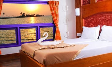 Five Bedroom Houseboat for Rent in Alappuzha