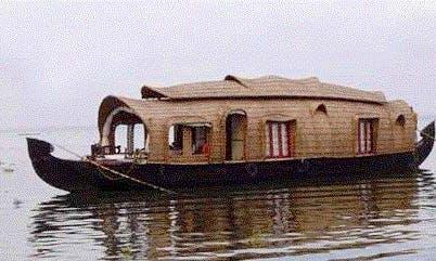Stay aboard One Bedroom Houseboat in Alappuzha, Kerala