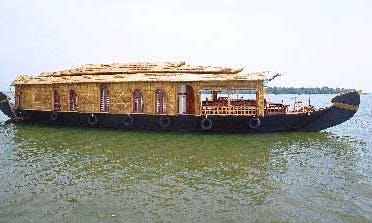 One Bedroom Houseboat for Rent in Kainakary