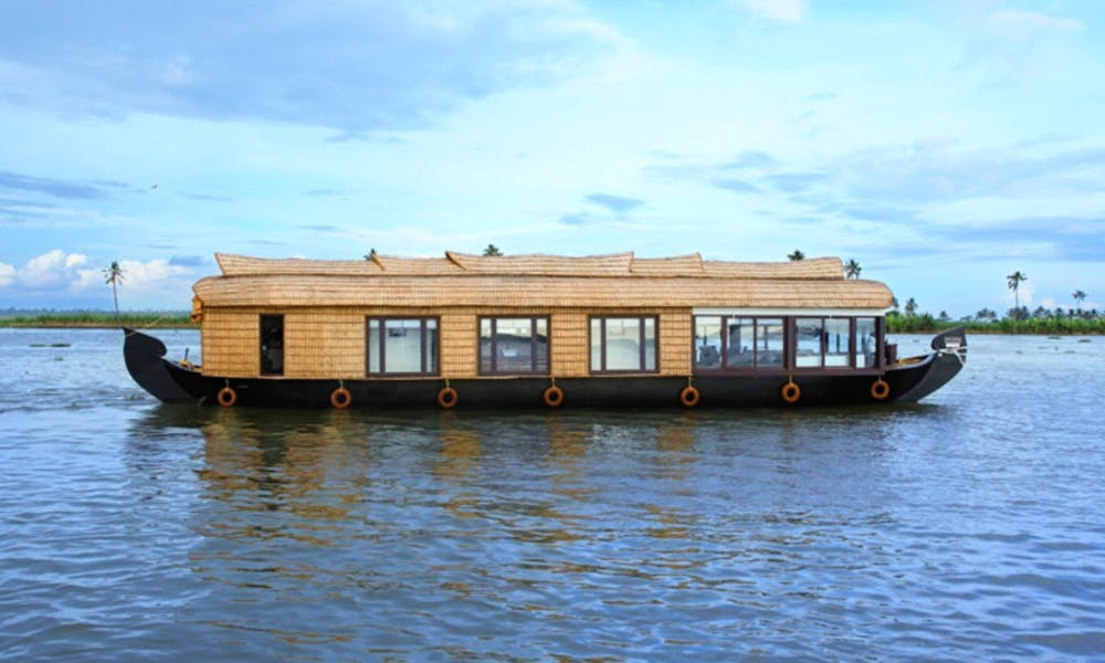 Cinnamon Houseboat for Rent in Alappuzha