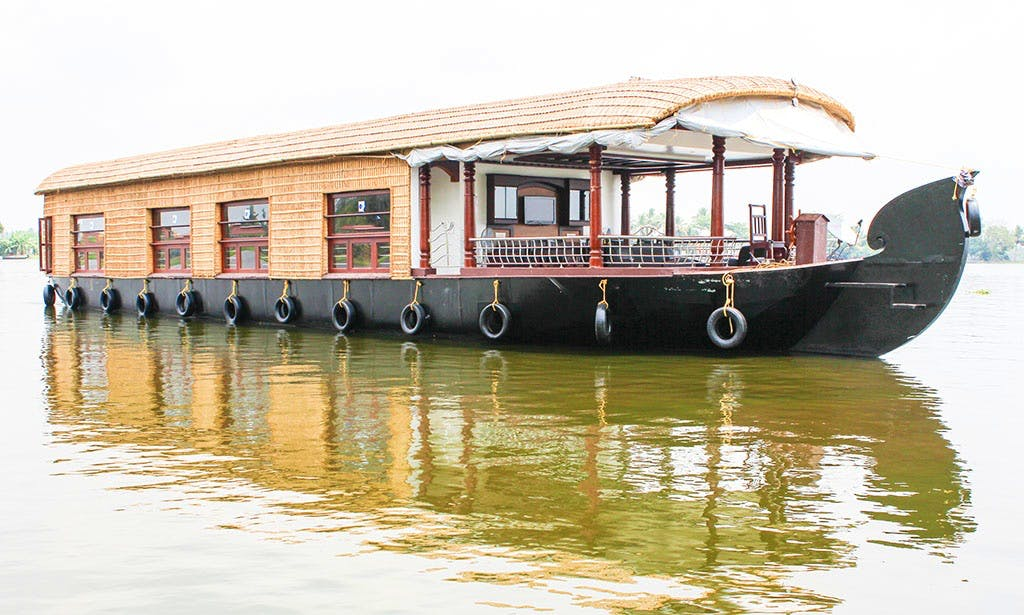 Three Bedroom Houseboat for Rent in Kainakary