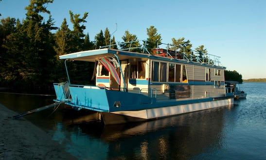 Houseboat Rental & Fishing In Ontario, Canada