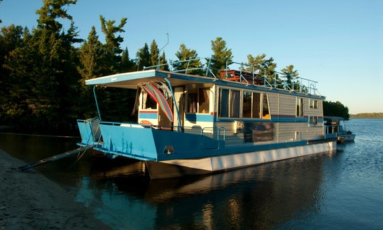 Houseboat Rental & Fishing In Ontario, Canada