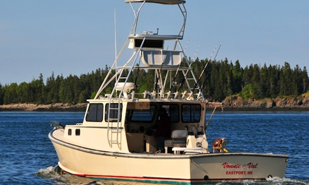 33ft 39 vonnie and val sport fisherman boat charter in for Fishing boat rentals near me