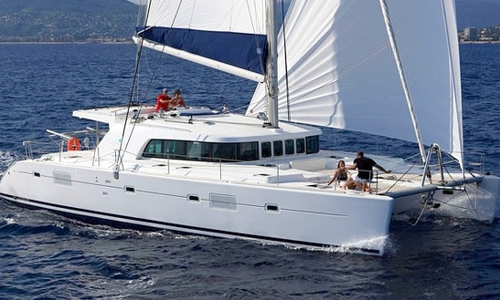 'doris' Lagoon 500 Catamaran Charter In Belize