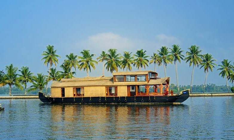 Four Bedroom Houseboat for Rent in Alappuzha